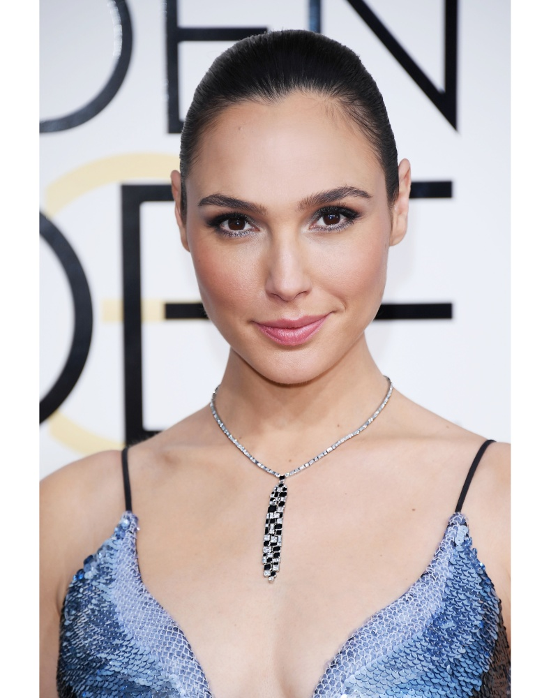 Presenter-Gal-Gadot-_4171s
